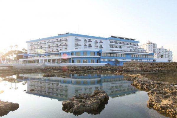 palm_beach_hotel__15402923102012_
